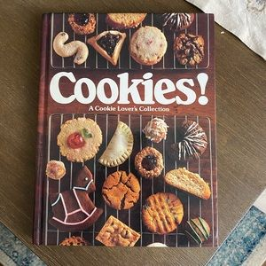 Cookies! A Cookie Lover's Collection Recipe Book